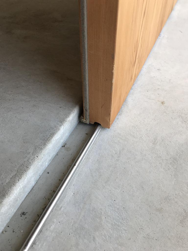 引き戸玄関の下框