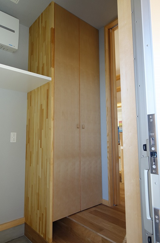 パントリーの扉