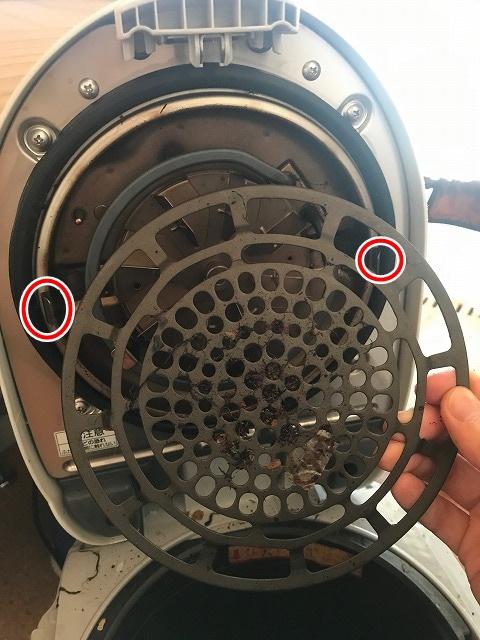 生ゴミ処理機パナソニックMS-N53の上蓋を外す