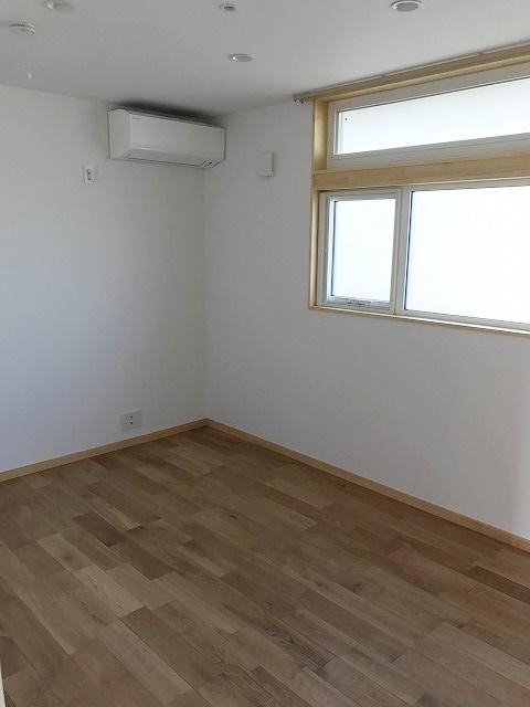 平屋の主寝室の写真