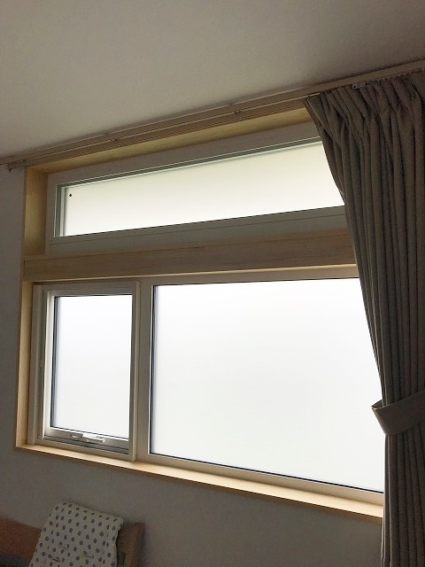 主寝室の窓