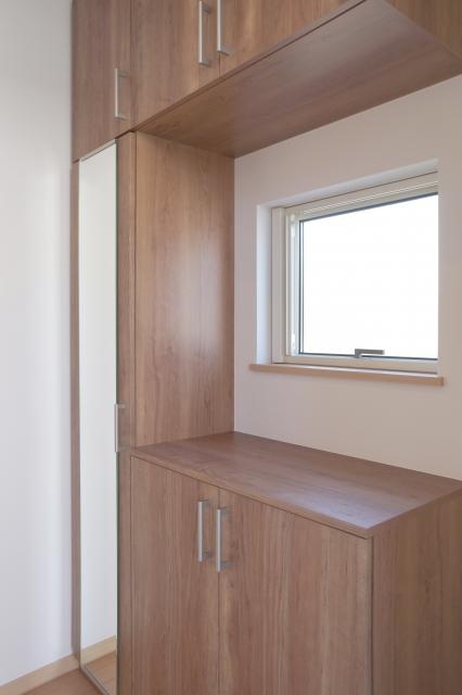 下駄箱の上の飾り棚(2)