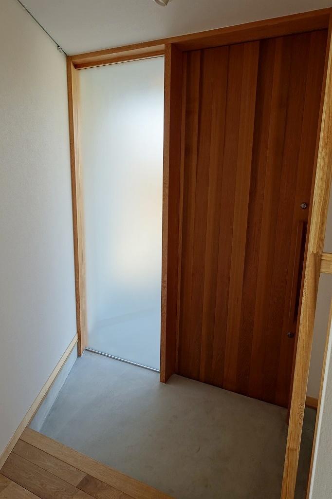 玄関の採光