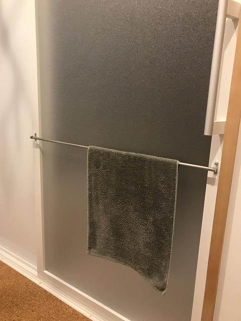浴室入口の引き戸
