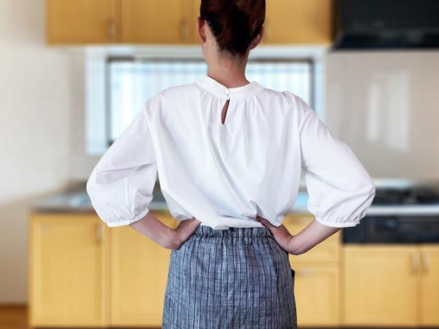 キッチンの高さが低すぎて作業しにくい