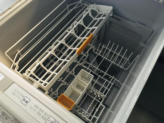 引き出し式食洗機の内部