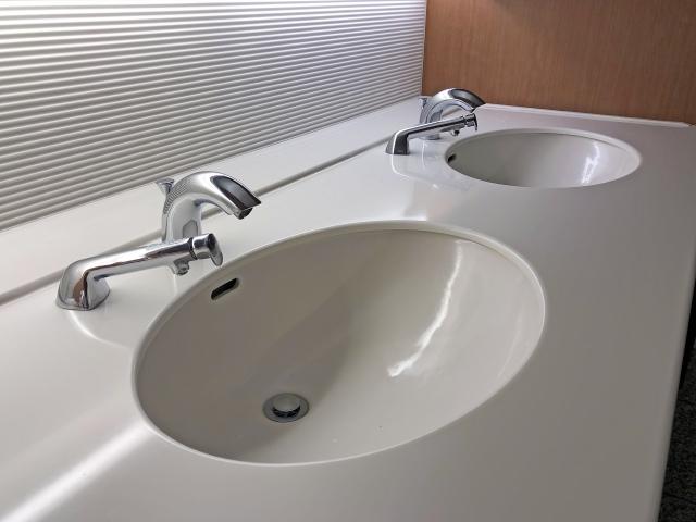 2つ並んだ洗面器
