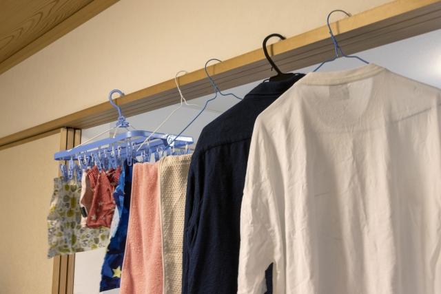 室内にかけれらた洗濯物