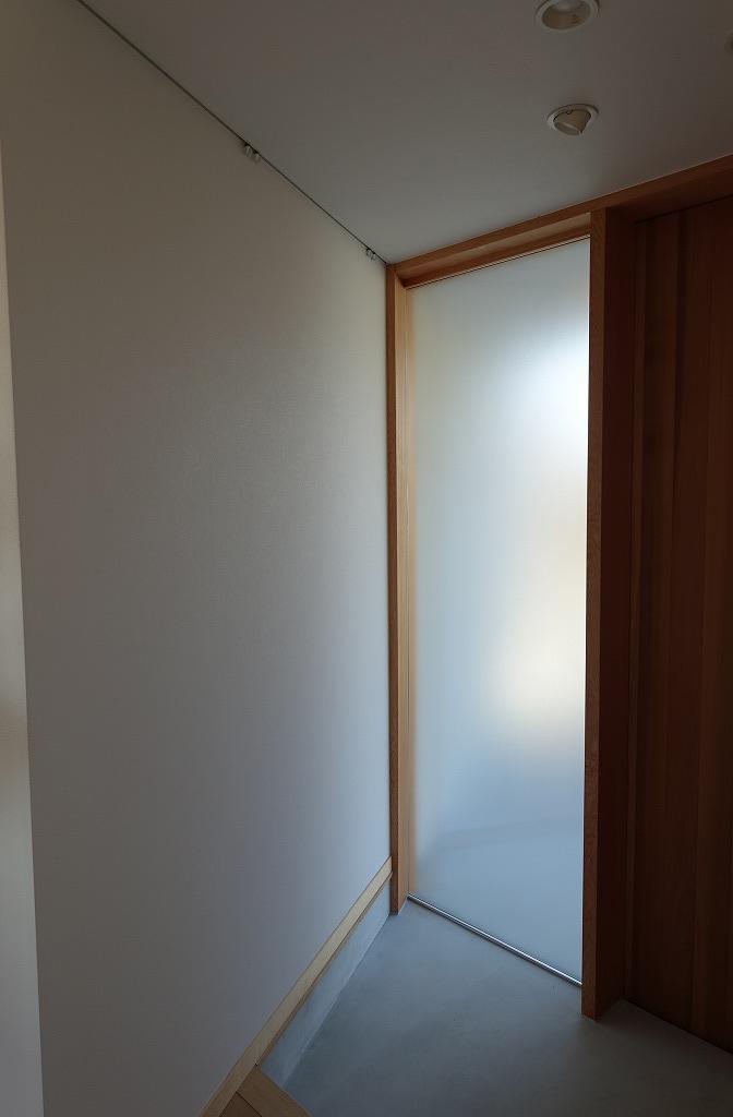 玄関のスリガラス