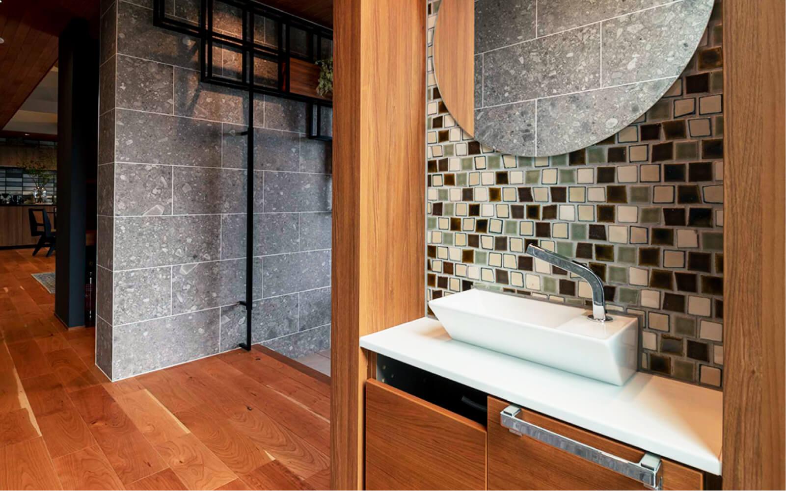 トヨタホームさんの平屋住宅「シンセ・スマートステージプラス(平屋)」の「ただいま手洗い」の写真